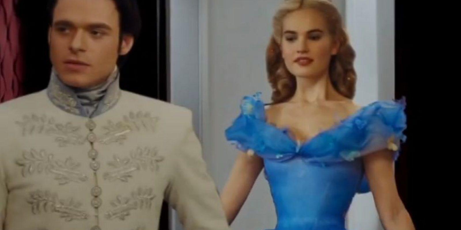 """""""Cenicienta"""" y el """"Príncipe Azul"""". Foto:EllenTube"""