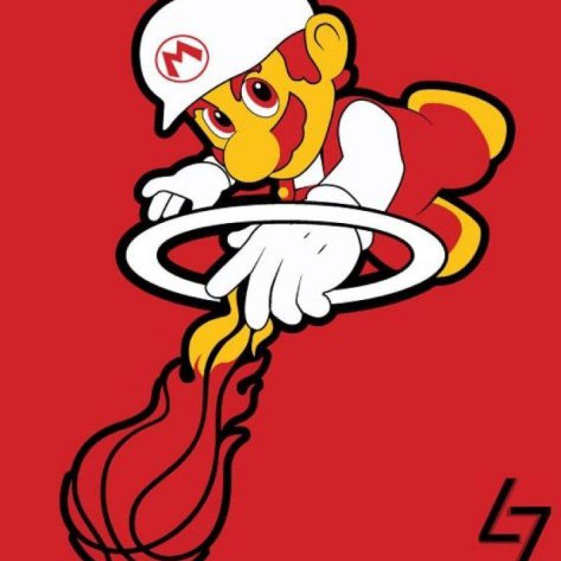"""""""Mario"""" en el logo de Miami Heat. Foto:instagram.com/ak47_studios"""