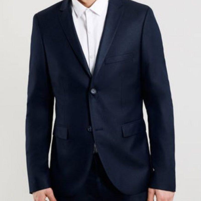 Las chaquetas deben ser slimmy, adaptadas a su figura, clásicas. Foto:TopMan
