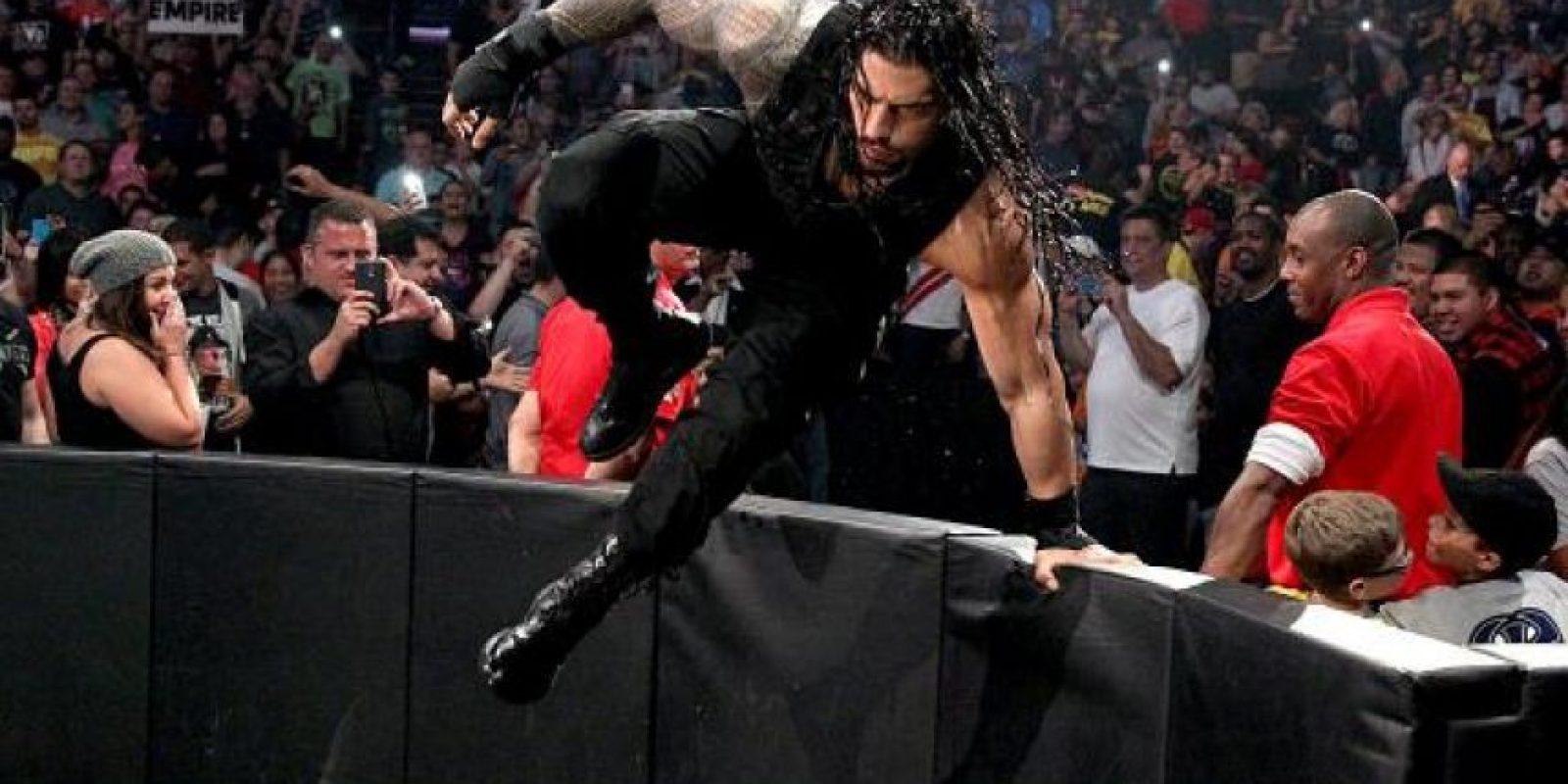 O Roman Reigns, solo uno irá a Wrestlemania Foto:WWE