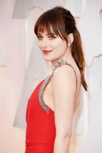 """Así se veía la actriz Dakota Johnson, quien encargó a """"Anastasia Steel"""" en """"50 sombras de Grey"""" Foto:Getty Images"""