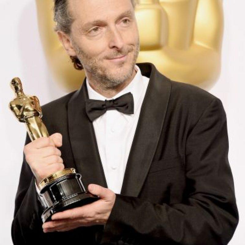 """Emmanuel Lubezki con su Oscar a """"Mejor fotografía"""". Foto:Getty Images"""