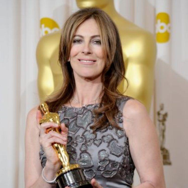 3. Antes de 2010, ninguna mujer había recibido el Óscar a Mejor director. La primera y única hasta el momento ha sido Kathryn Bigelow por The Hurt Locker. Aunque fue la cuarta mujer nominada, ninguna de sus predecesoras se llevó la estatuilla.