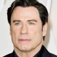 Este es el look de Travolta durante los premios Oscar 2015 Foto:Getty Images
