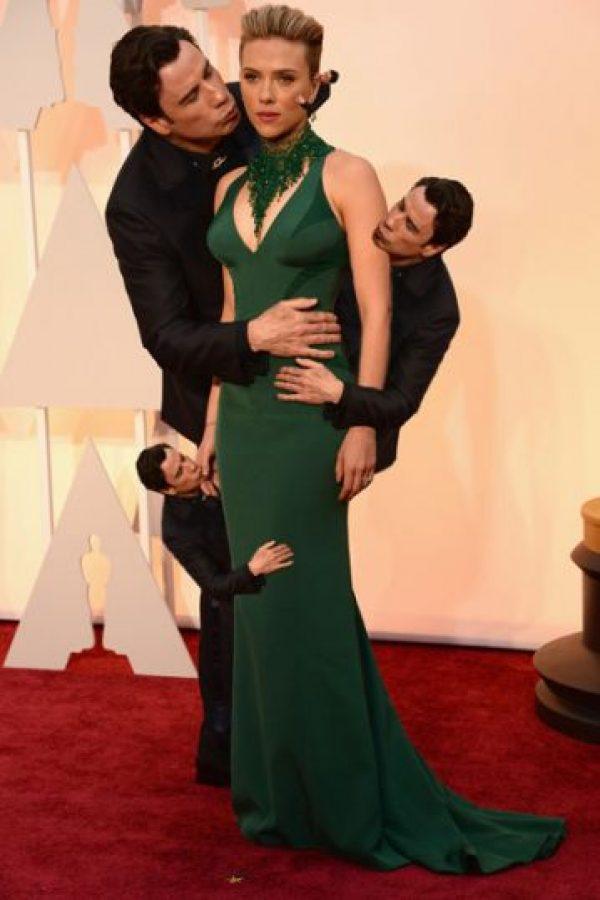 """Ahora es considerado un """"acosador"""", esto después de su inesperado acercamiento a Scarlett Johansson, en la alfombra roja de los premios Oscar Foto:Twitter"""
