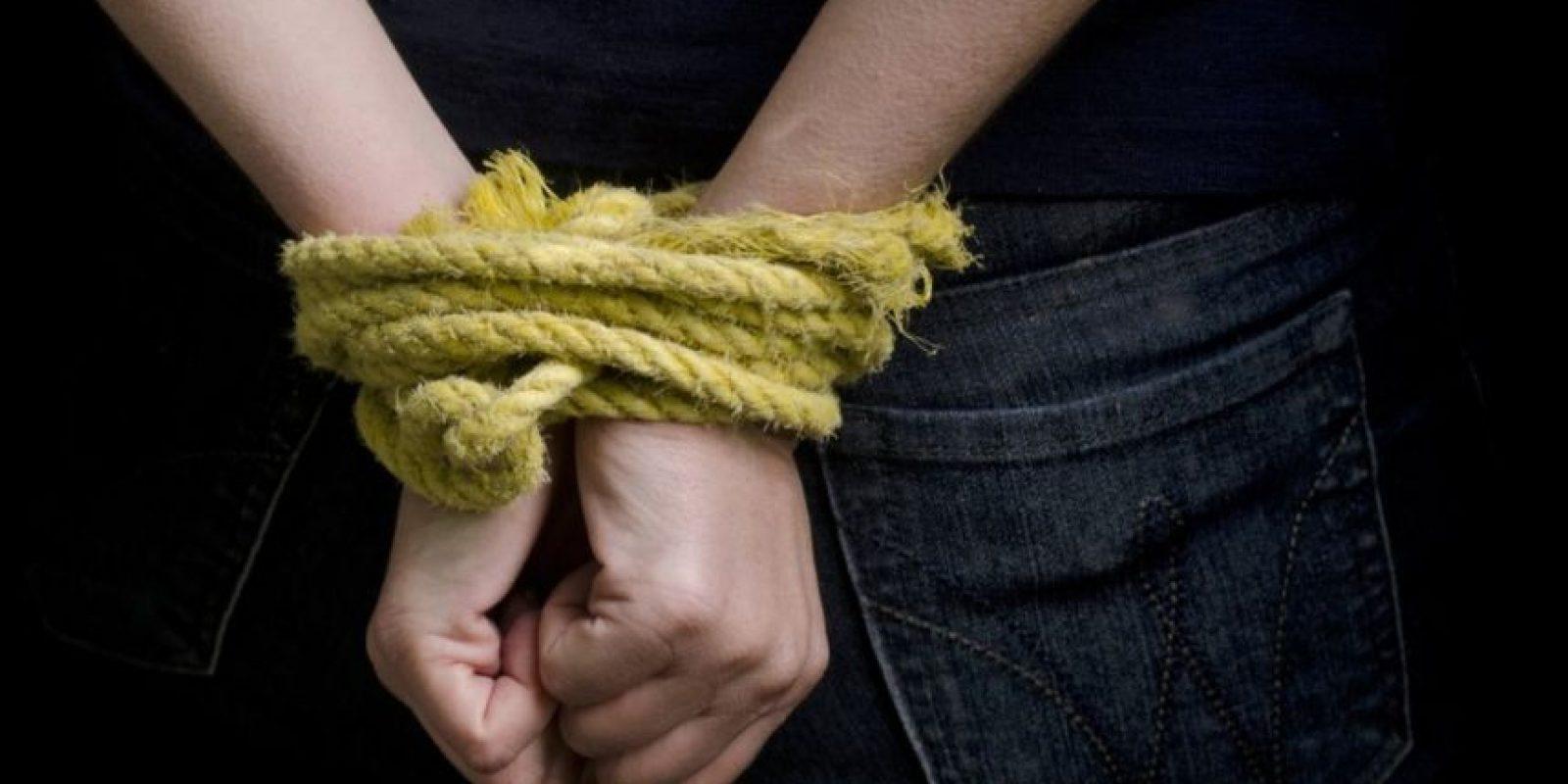 2. Liu Hung, soltero chino de 32 años, tenía dinero y una buena posición, pero era rechazado por las mujeres. Ante la presión de sus padres, secuestró a una mujer en un parque y la llevó hasta su casa en Danliang. Foto:Tumblr