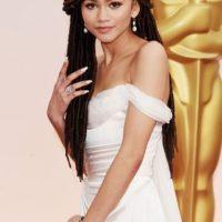 Zendaya, así no. Opacaste un vestido que igual parecía de prom. Foto:Getty Images