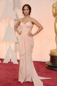 Zoe Saldana, de nude y drapeado. Foto:Getty Images