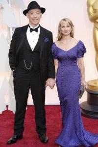 JK Simmons y su esposa se quedaron en los 90. Foto:Getty Images