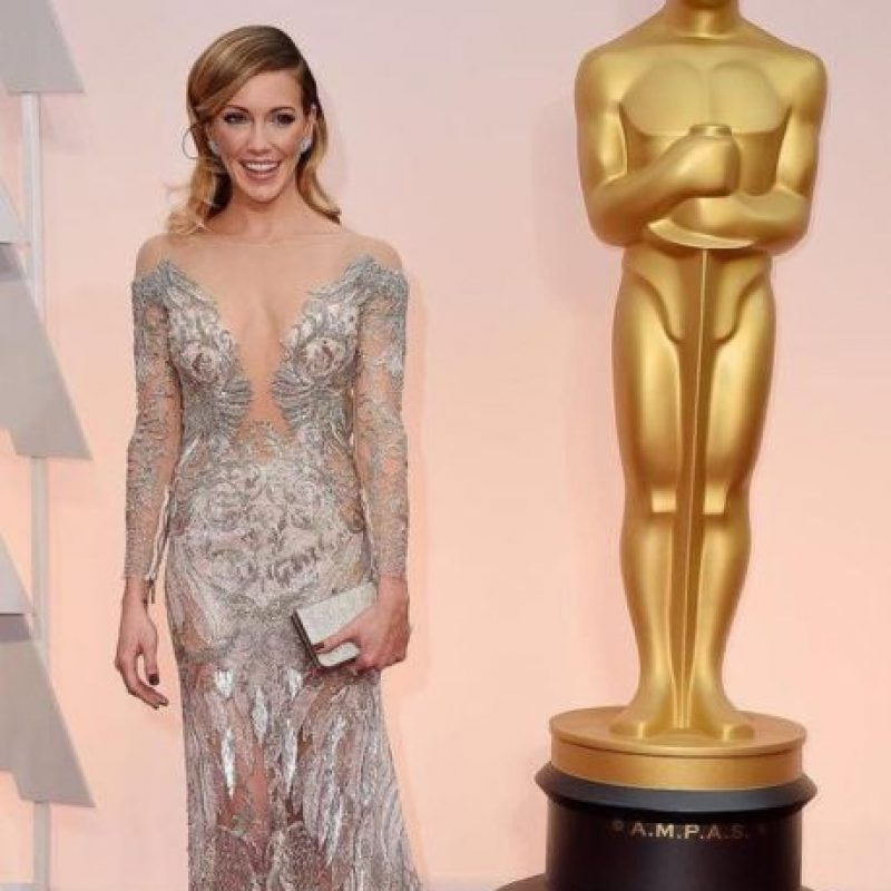 Kate Cassidy mostrando cómo se luce un vestido brillante. Foto:Getty Images