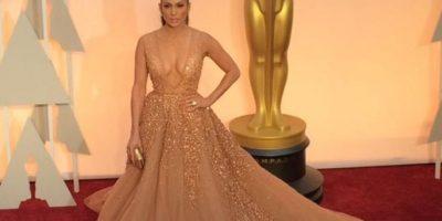 ¿Es igual al vestido de Rihanna en los Grammy? Foto:Getty Images