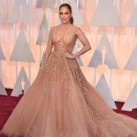 Su vestido, enorme, es de Elie Saab Foto:Getty Images