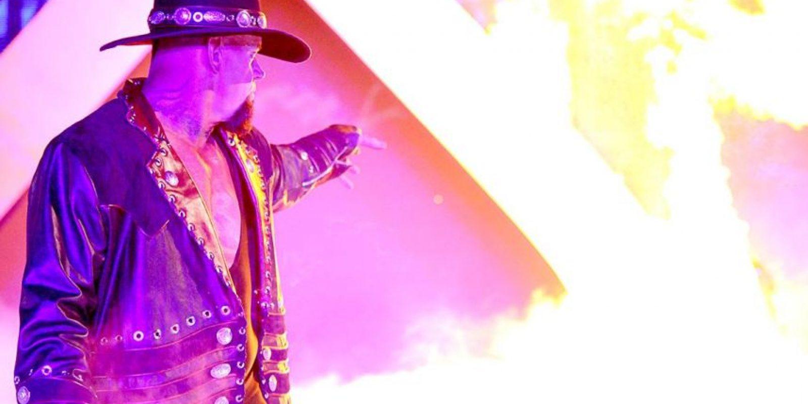 En Wrestlemania XXX se terminó la racha invicta de Taker Foto:WWE