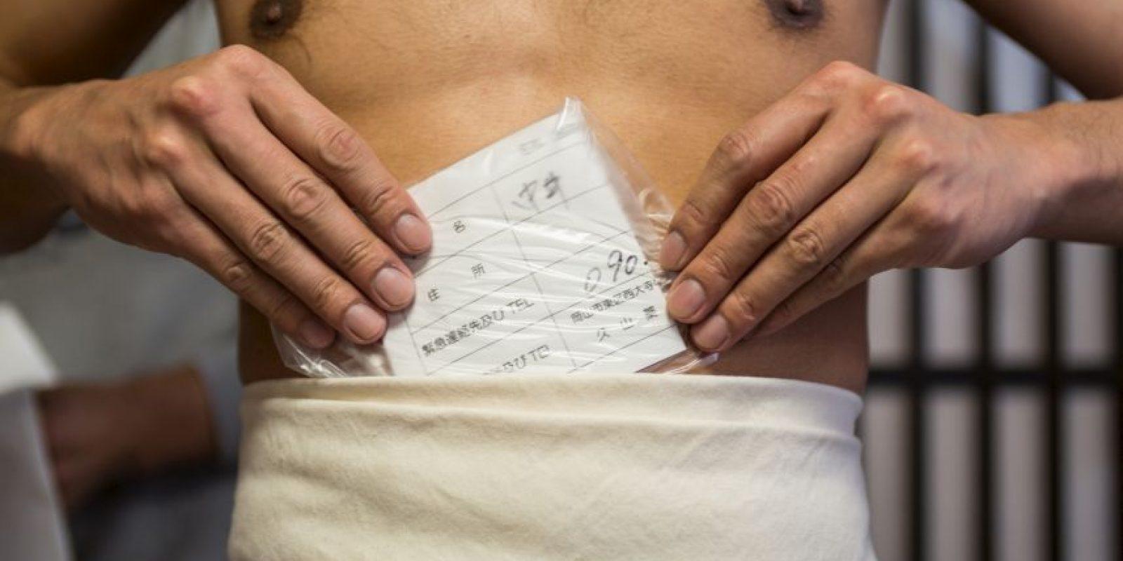 2. Los hombres guardan sus datos personales, como tipo de sangre, en caso de que sufran algún accidente en el festival. Foto:Getty