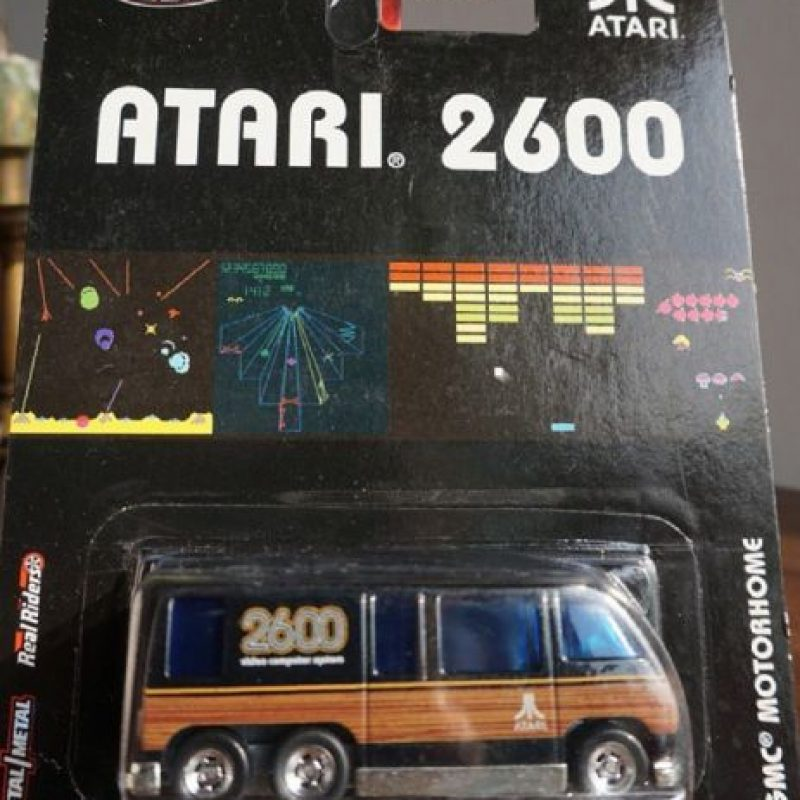 Un automóvil rememora al Atari 2600. Foto:instagram.com/visitekplaza