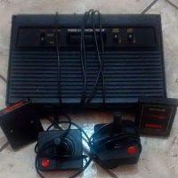 Los jugadores muestran su consola original. Foto:instagram.com/thicrivellari