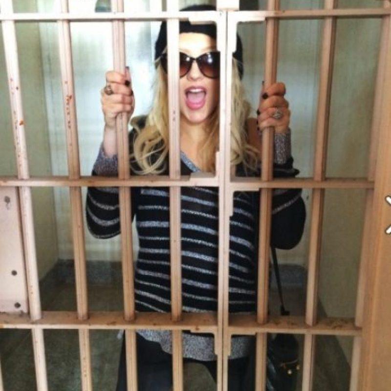 """Su video """"Dirty"""" fue prohibido en Tailandia, no por su contenido sexual, sino por un letrero que decía """"Turismo sexual en Tailandia"""" y """"Chicas menores de edad"""". Foto:Facebook/Christina Aguilera"""