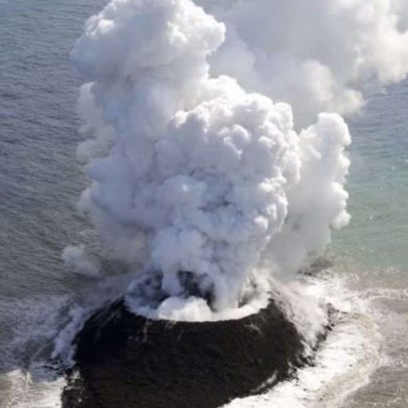 Así son las erupciones en la isla volcánica Nishimoshi Foto:Youtube