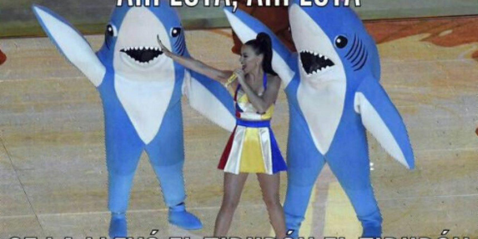 En aquel momento, surgieron diversos memes inspirados por estos bailarines Foto:Twitter
