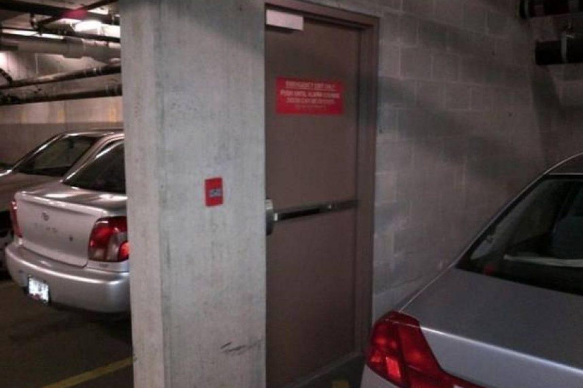 Una puerta bastante extraña. Foto:Reproducción.