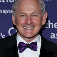"Victor Garber interpretó a Thomas Andrews. Tiene 65 años y ha participado en películas como ""Legally Blonde"" y en series como ""Glee"" Foto: Getty Images"