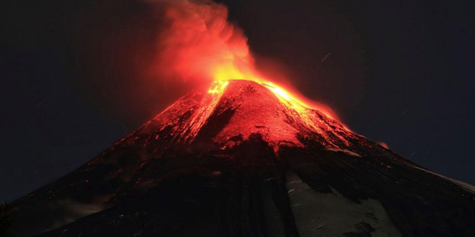 El Villarrica tiene una altura de 2,847 metros. Foto:AP