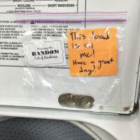 Dinero para quien lo necesite. Foto:Faith in Humanity Restored