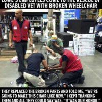 Varios mecánicos arreglaron la silla de ruedas de un hombre que no podía pagarla. Foto:Faith in Humanity Restored