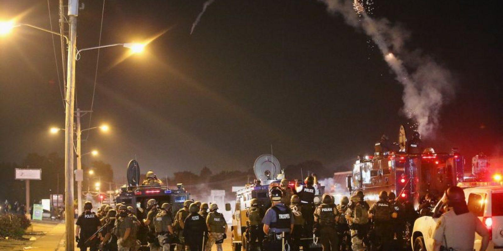 2. Según los reportes, esta caminaba por las calles de Ferguson cuando lo detuvo el policía Darren Wilson, quien le disparó a pesar de que el joven estaba desarmado. Foto:Getty