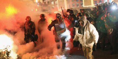 9. Tiendas saqueadas y arrestos se produjeron. Foto:Getty