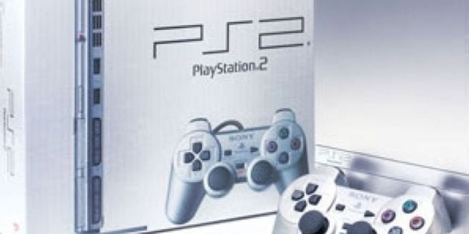 PlayStation 2 Slim plateado Foto: SONY