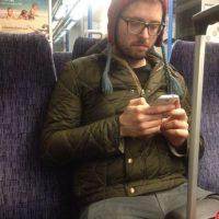 Tube Crush se creó en 2011 y recopila las fotos de los hombres más sexis del metro de Londres Foto:Tubecrush