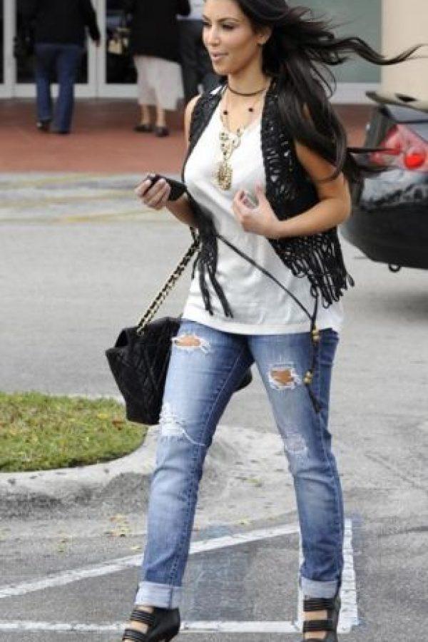 Kim en boyfriend jeans. Foto:Getty Images