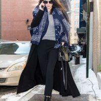 Kendall, con un abrigo oversized. Foto:Getty Images