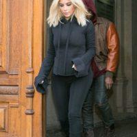 Kim en total black. Foto:Getty Images