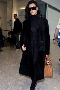 Kim, con un abrigo oversized. Foto:Getty Images