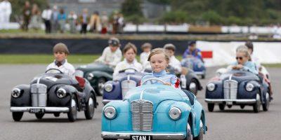 No es aconsejable tener a un niño más de 6 horas al día viajando en coche. Foto:Getty Images