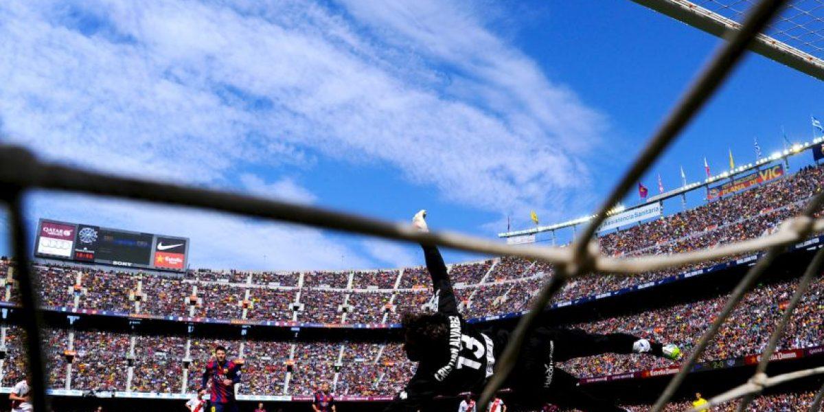 De la gloria al infierno: Detener un penal a Lionel Messi y que el árbitro lo repita