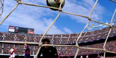 El portero de, Rayo Vallecano, Cristian Álvarez, había parado el disparo de su compatriota Foto:Getty Images