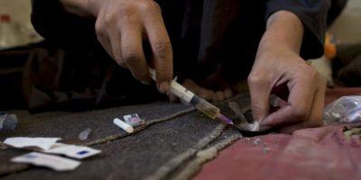 Al respecto se mencionó que al observar que algún usuario de drogas experimenta signos de sobredosis, se debe llamar de inmediato a la ambulancia. Foto:Getty Images