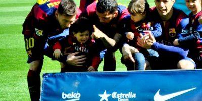 El argentino llevó a su hijo al estadio Foto:Ramón Mompió