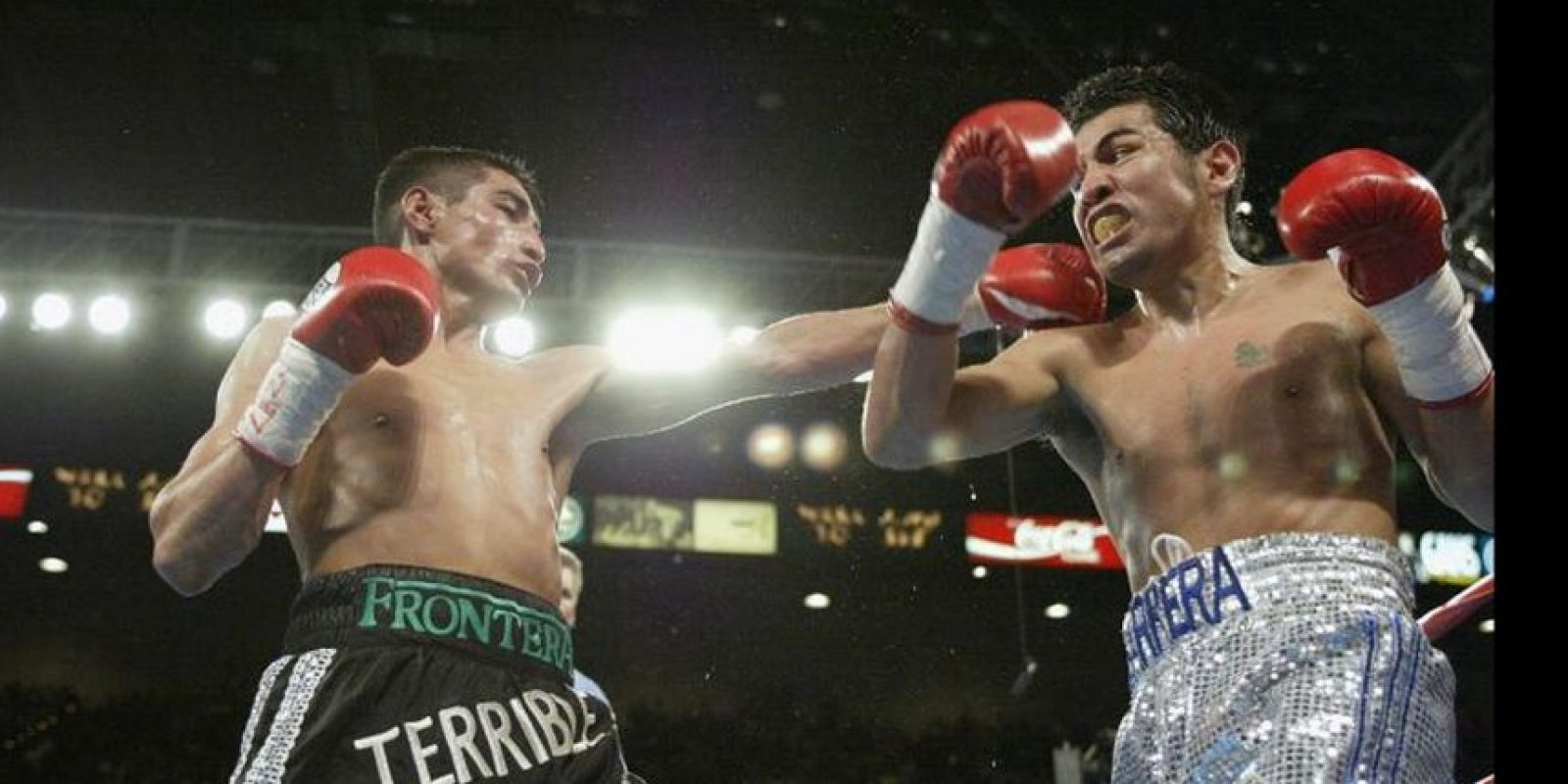 Marco Barrera vs. Erick Morales Foto: Getty