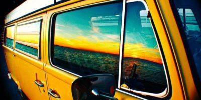 Vive en una van Volkswagen Westfalia de 1978. Foto:twitter.com/DanielNorris18