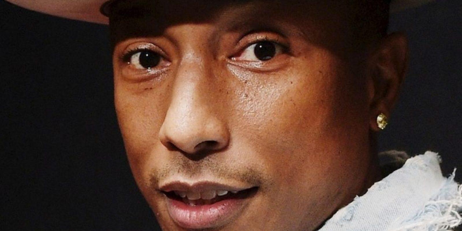 Famosos como Pharrell se ofrecieron a cantar. Foto:Getty Images