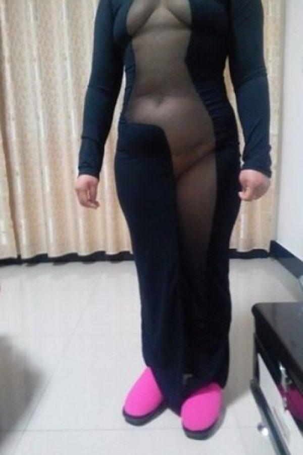 Antes de que se implementara el sistema de tallaje, los que podían pagárselo obtenían ropa hecha a su medida. Por eso la profesión de sastres y costureras evolucionó hasta dar origen a la figura del modisto, quien se encargaba de crear vestidos para cada mujer. Foto:Taobao.com