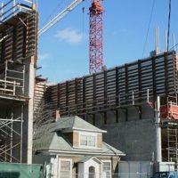 Así lucía la casa antes de que construyeran el centro comercial. Foto:Yelp