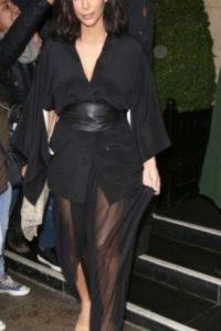 Kim ama usar transparencias u otro toque usado en sus vestidos. Foto:Getty Images
