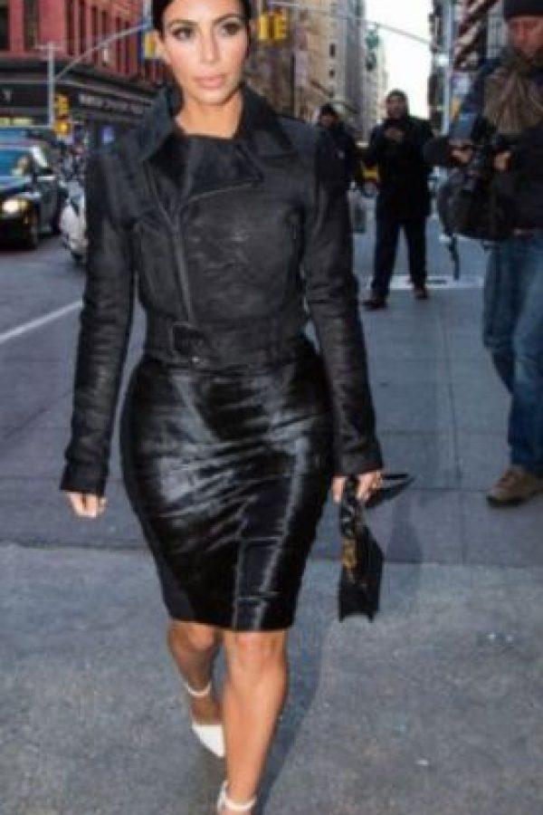 Kim usa mucho faldas lápiz. Foto:Getty Images