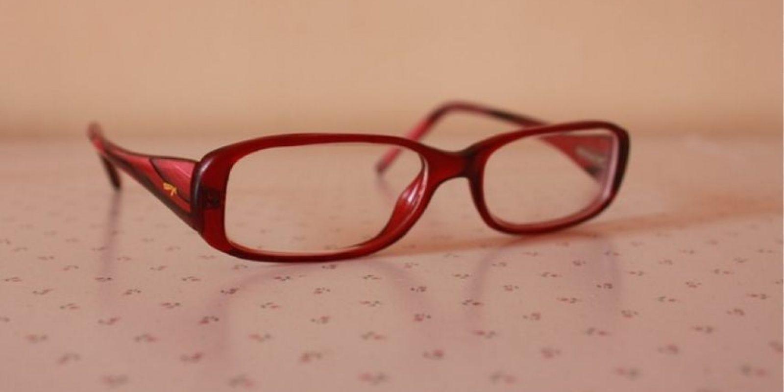 4. El antirreflejante en las gafas es muy necesario, pues ayuda a que los ojos convivan mejor con las luces artificiales y no se esfuercen en enfocar. Foto:Pixabay