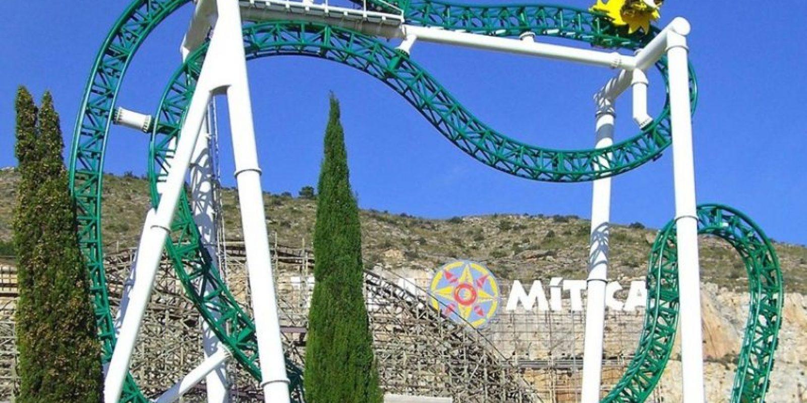 Parque: Terra Mítica. Localización: Benidorm, Alicante, España. Altura: 26 m. Velocidad: 60 km/h. Longitud: 142 m. Caída: 22 m. Foto:Wikimedia